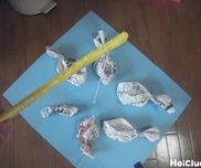 しんぶんねじってさかな釣り〜お部屋の中で楽しい手作りおもちゃ〜
