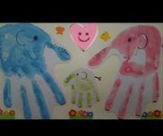 【子どもが産まれた記念に❤️】昔作った物です・スタンプ台(大人は範囲が広いので絵の具でしました。)・画用紙・花のシール・クレヨン