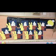 【お月見うさぎさん】2歳児さん子どもが丸めたティッシュを保育士が糊付けした紙に貼っていってもらい、最後はうさぎさんの顔を描いてもらって完成★彡