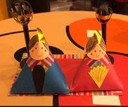 【おひなさま】*職場に飾るのに制作*ベースは4歳児から作れます♡材料♡色画用紙折り紙色えんぴつセロテープ両面テープのり厚紙(下に敷く用、ぼんぼりの足用)