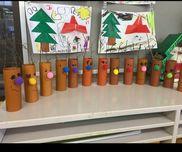 ★3歳児★トイレットペーパーのシン★ボンボン★森で拾った小枝   顔と鼻を作ったトナカイを森に持って行き、自分達で大きす         ぎる!これは小さい!等と考えながら選びました!