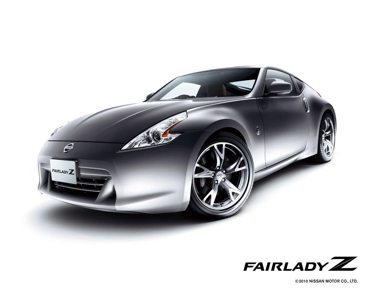 国産スポーツカーの代名詞Z34フェアレディZ!その魅力や性能とは。