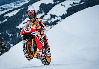 一体どうなってるの!?MotoGPマルク・マルケスのゲレンデ爆走動画!