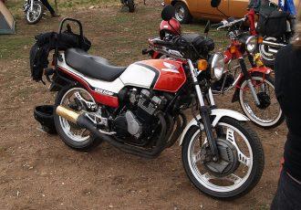 中古相場300万円以上!?ホンダの傑作バイク、CBXの歴代モデルを一挙紹介!