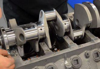排気量12ccのV8エンジンとは?ミニチュアエンジンのクランクシャフトの製造工程がスゴい!