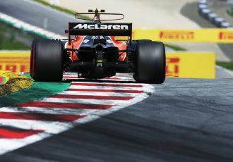 F1決勝速報!タイヤに厳しいレースの中、勝ったのはメルセデス!アロンソは悔しいリタイヤ