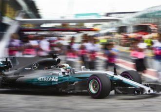 超VIP待遇!!豪華な食事にドライバーのサイン会にも参加できる『F1パドッククラブパス』のお値段は!?