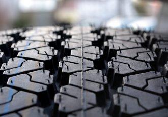 スタッドレスが長持ちする!?タイヤの正しい保管方法をご紹介!