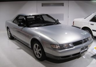 3ローターエンジンには夢があった!?マツダの名車ユーノスコスモってどんな車?