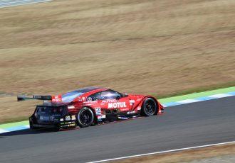 スーパーGT予選速報!500PPは2位に0.9秒差という異次元のタイム!?300はシリーズ制覇に向けて完璧なPP!
