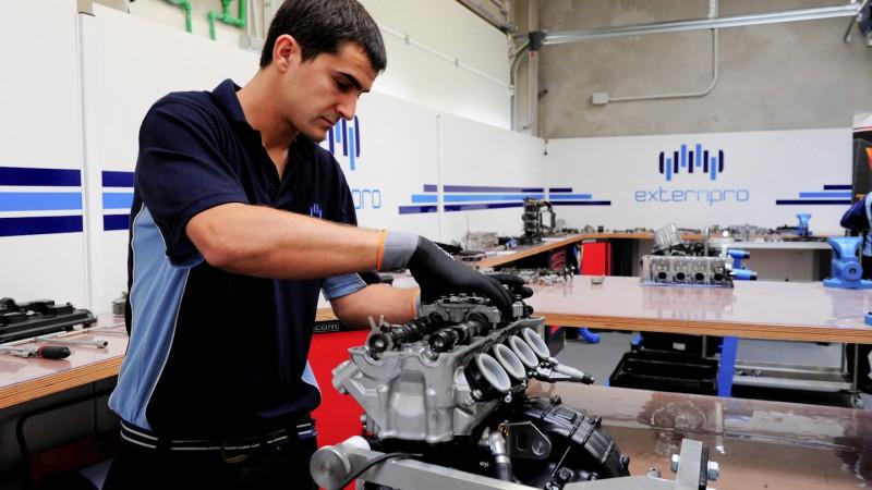 Moto2 エンジン 整備 エクステンプロ
