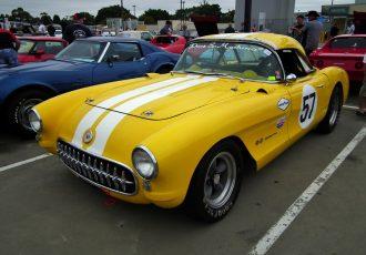 多くのアメリカ人の心の中に刻み込まれた名車!初代シボレーコルベット(C1型)ってどんなクルマ?