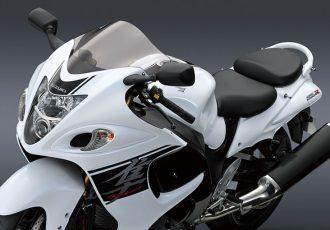 最高速300km/hオーバーの市販最強モデル!SUZUKI GSX1300R隼とは?