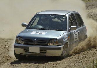 エンジンをブン回す楽しみは国産最強!?とにかく踏もう、日産K11マーチ!