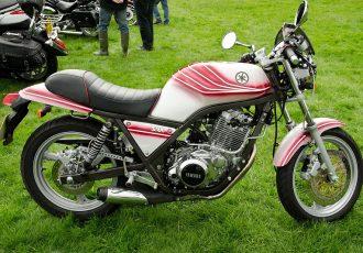 時代に逆行するバイク!!ヤマハSRX400/600が2輪市場へ叩きつけた挑戦状とは?
