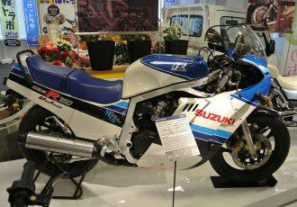 ナナハンスーパースポーツに革命をもたらした名車!スズキGSX-R750初代モデルの魅力に迫る!