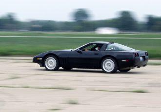 """""""コルベット""""を現代的なスポーツカーに一気に近付けた名車!!シボレー・コルベットC4とは"""