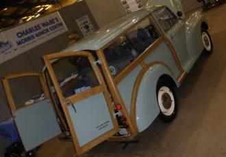 元祖「木枠のステーションワゴン」として人気の英国車、モーリス・マイナー トラベラーって知ってますか?