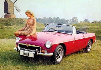 シャレたクルマに乗りたい人必見!!旧車スポーツのド定番『MGB』が傑作と呼ばれる理由