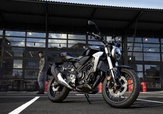 軽量かつ軽快な新世代モデル!ホンダCB250R