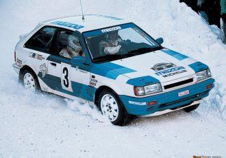 走りの良さをアクセラへ継承!! 6代目マツダ・ファミリアがWRCで雪の女王と呼ばれた理由とは?