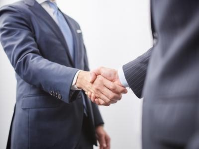 2020 06 06 shake hands