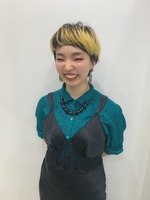上田 花音  Kanon Ueda/Designer