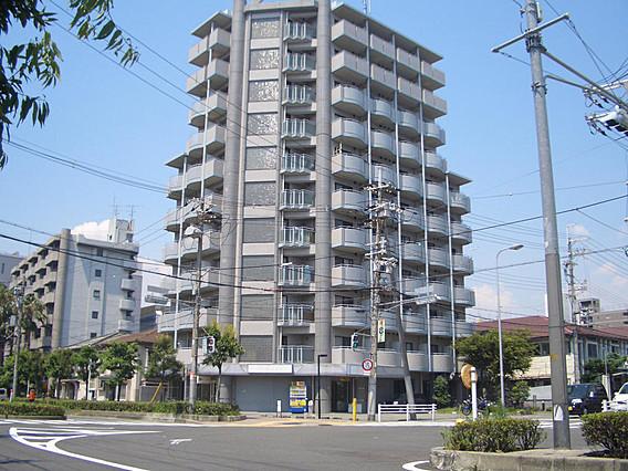 546195/シャープなデザインが印象的な洗練の住まい☆