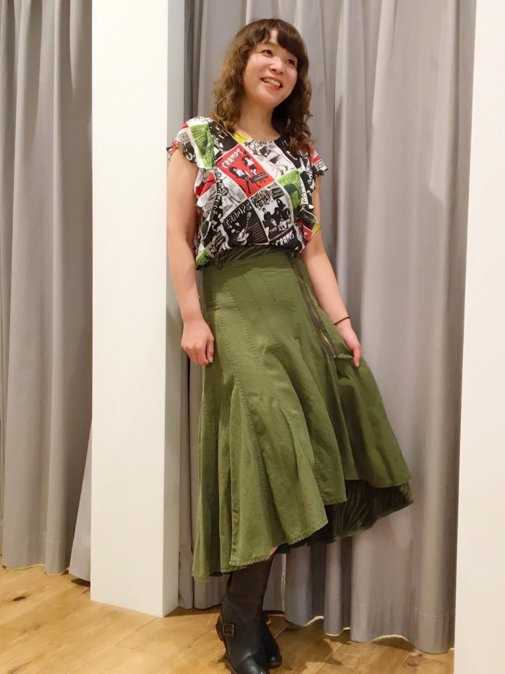 人気スカート