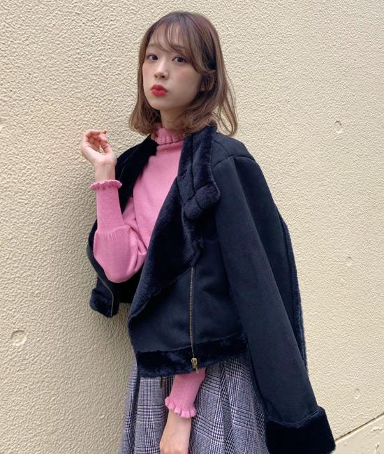 ブラック×ピンクの甘辛スタイル