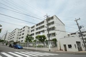 横浜ハイタウン