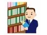 本棚とビジネスマン
