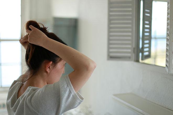 【女性の薄毛】側頭部が薄くなる原因・対策・治療法 アイキャッチ画像