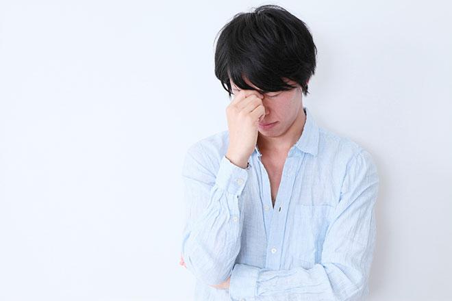 前頭部がハゲる原因は男性ホルモン?薄毛を改善するための正しい対策 アイキャッチ画像