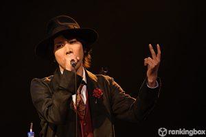 【ライヴレポ】マオ from SID、2度目の『X'mas Acoustic Live』で中島美嘉の「雪の華」を披露!「素晴らしい曲をたくさんの人の前で歌えるって本当に幸せ」