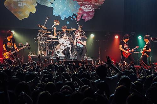 【ライヴレポ】シド、『SID collaboration TOUR 2019』でGRANRODEOと魅せた親密コラボ!マオ「どうしても一緒に「モノクロのキス」をやりたかった」