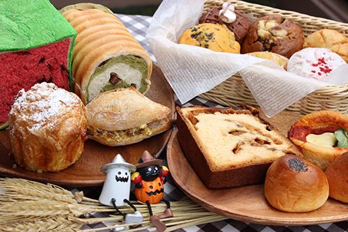 【潜入レポ】おいしいパンで秋の食卓にワクワク感を!コクーンシティで開催中の『パンタスティック!!』でりんごがたっぷり入った1kgのパンなどがお目見え!!