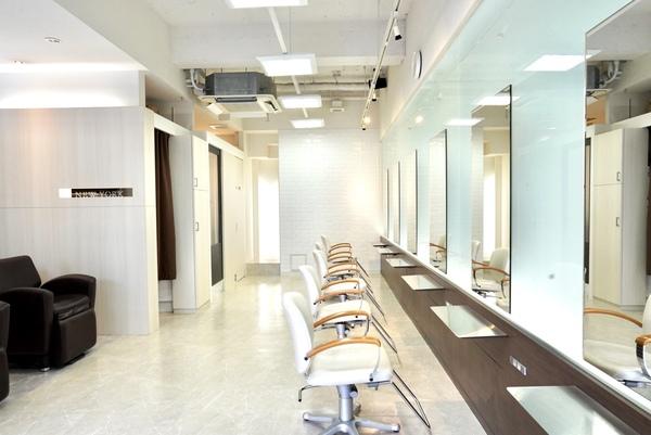 Hair Make NEWYORK(ヘアメイクニューヨーク)の店舗画像3