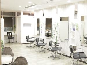 ヘアーサロンCLOVER 新横浜本店の店舗画像0