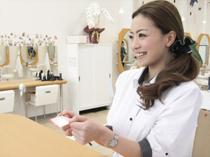 ファミリーヘアサロンデューポイント オークワ中津川店の店舗画像3