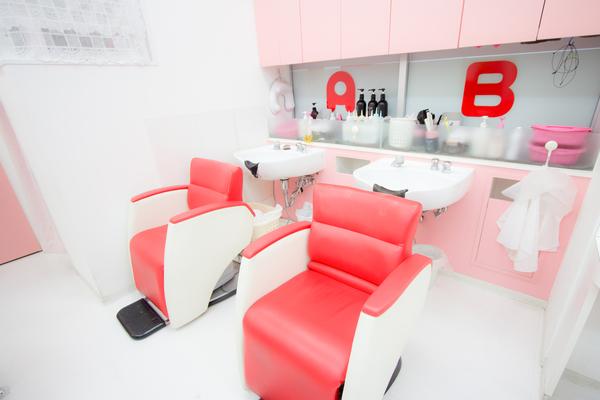 美容室ママファミリー 与勝店の店舗画像0