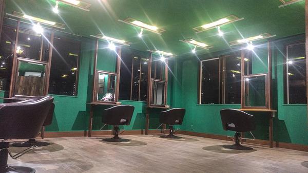alm hair アルムヘアーの店舗画像1
