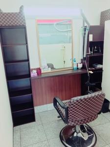 ファミリーカット越谷赤山店の店舗画像2