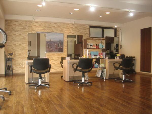 美容室 LAVISHの店舗画像1