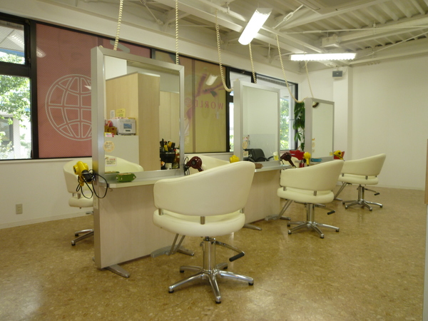 ワールドヘア加古川店の店舗画像1