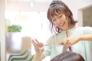 カットルームカラー新田店の店舗画像6
