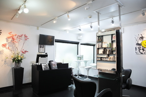 SIN DEN Hair Makeup & Nails の店舗画像0