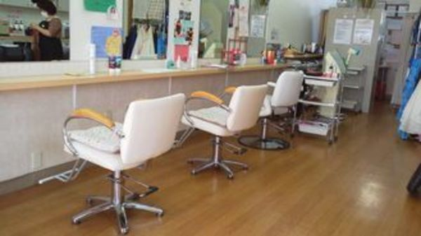 主婦の美容室 のんのん 春日店の店舗画像1