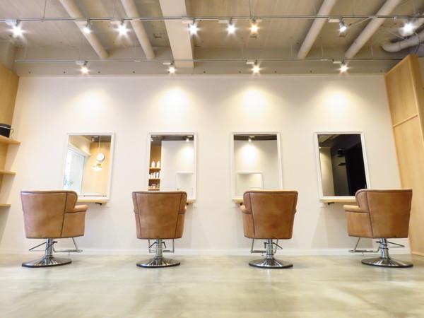 トリート ヘアデザイン 妙典店の店舗画像4