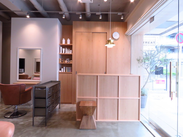 トリート ヘアデザイン 妙典店の店舗画像2